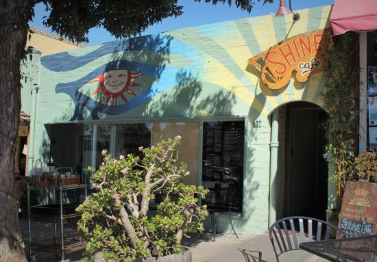 Shine Cafe: Shine Café in Morro Bay - Great place to eat healthy vegan food.