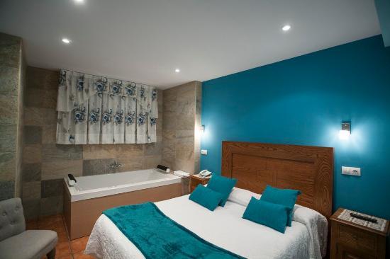 Habitacion con jacuzzi fotograf a de hotel spa verdemar san vicente de la barquera tripadvisor - Hotel con jacuzzi en la habitacion andorra ...