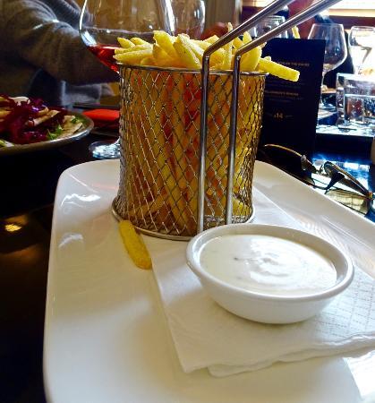 Bacchus Wine Bar: Srumptuous fresh crunchy fries