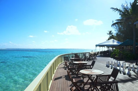The Rarotongan Beach Resort & Spa: Te Vaka Deck