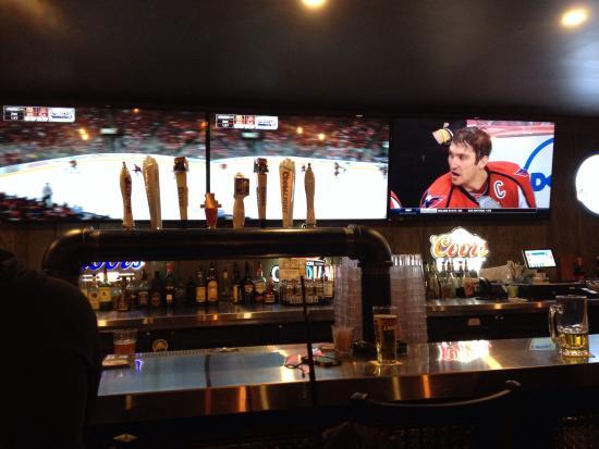 Ingersoll, كندا: Great looking bar.