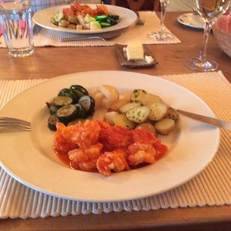 Rose Valley Lodge & Restaurant : Jumbo Shrimp East Indian Style