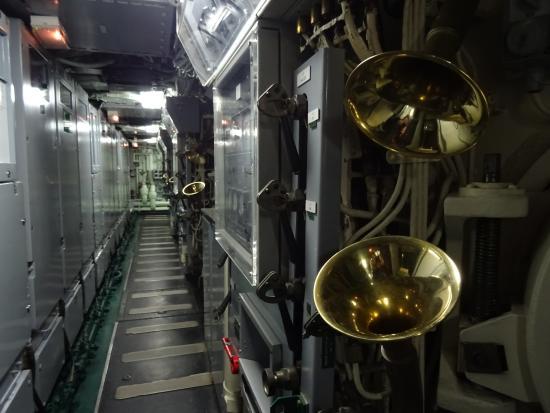 L 39 int rieur du sous marin le redoutable photo de cit de for Interieur sous marin