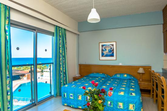 Helios Bay Hotel: Sea view studio