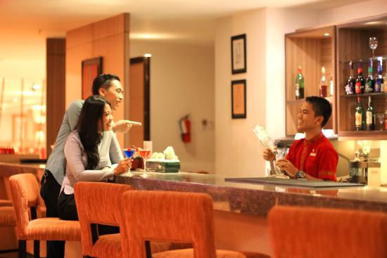 Swiss-Belinn Panakkukang Makassar: The Lounge