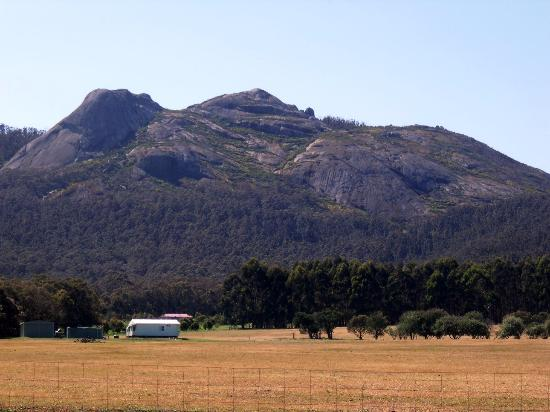 Mount Barker, Australia: Porongurups view from Millinup Rd