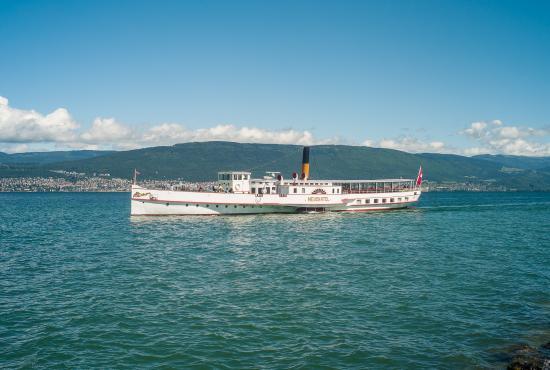Le bateau avec les roues aubes navigation lnm - Bateau sur roues ...