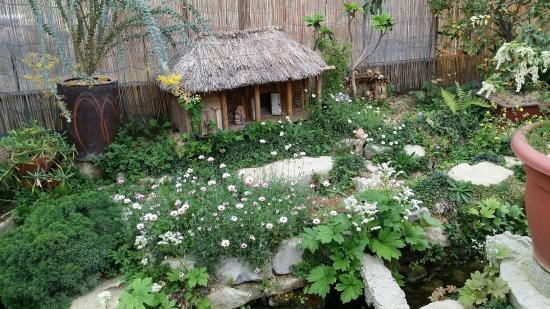 Hurgsiru Miniature Korean House And Garden