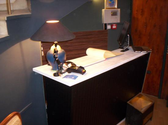 check in check out front desk the new yorkers hotel all rights rh tripadvisor co za