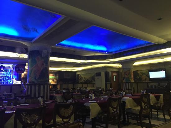 Cross Roads Bar & Restaurant: photo2.jpg
