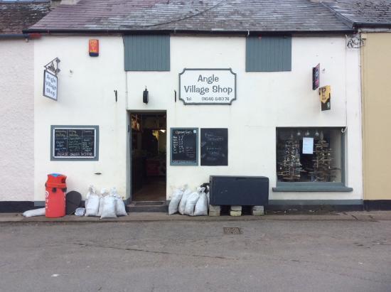 Pembrokeshire, UK: Angle shop