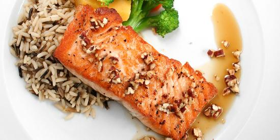 Lower Sackville, Canada: Maple Pecan Salmon