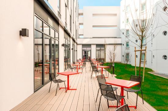 ibis paris coeur d 39 orly airport hotel france voir les tarifs et 1 39 956 avis. Black Bedroom Furniture Sets. Home Design Ideas