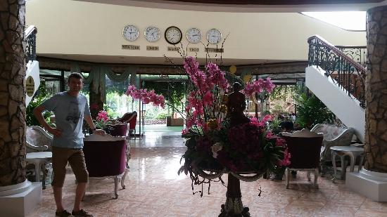 Queen Margarette Hotel: 20160328_131235_large.jpg