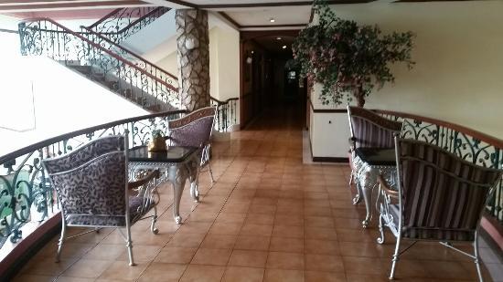 Queen Margarette Hotel: 20160328_130932_large.jpg