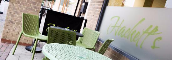 Carterton, UK: Hackett's Coffee Bar & Bistro