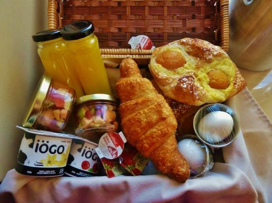 one of the breakfast baskets picture of hotel du vieux