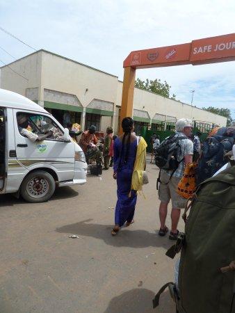 Banjul Division, แกมเบีย: Banjul - Barra ferry