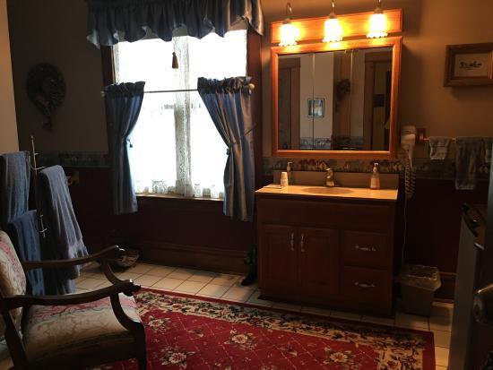 Glen Dale, WV: Blake Room