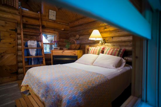 Sparta, WI: Cozy Cabins