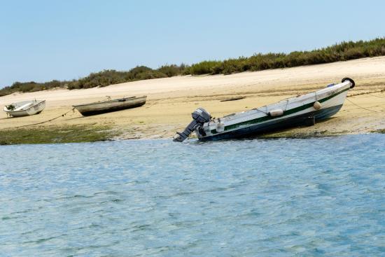Fuseta, Португалия: On se gare un peu partout de ce côté...