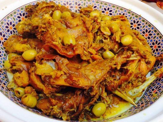 Riad Alisma: Tajine de lapin au citron et olives