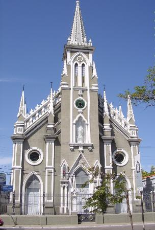 Pequeno Grande Church