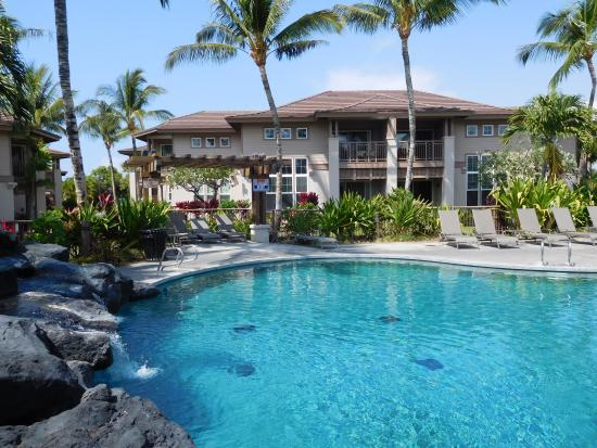 Waikoloa Beach Resort: Gorgeous Unit in Perfect Spot by Pool/Waterfall