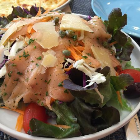 Archetto : Салат с лососем