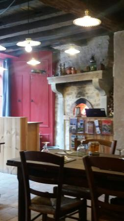 Parthenay, فرنسا: 20160415_135011_large.jpg