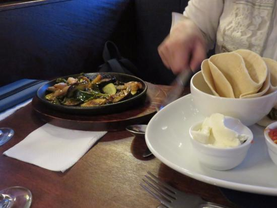 Prestwick, UK: chicken fajitas