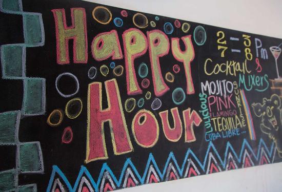 Drop Bear Hostel: happy hour