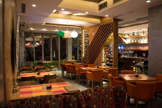 Passerella Caffe & Restaurant