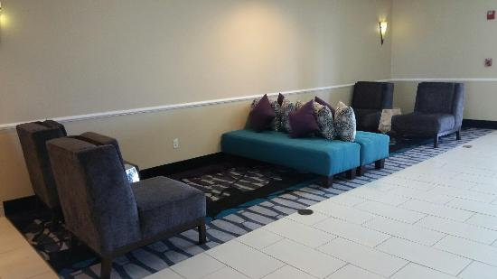 La Quinta Inn & Suites Deming: Lobby