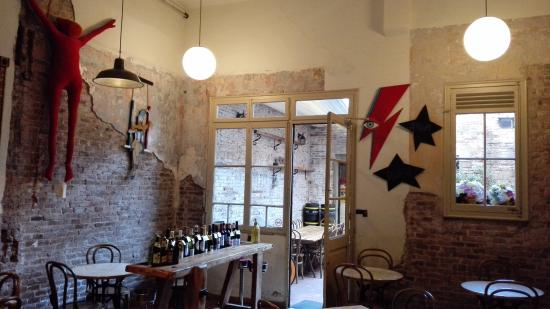 comedor y patio interior - Picture of El 58, Barcelona - TripAdvisor