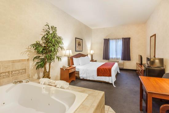 Comfort Inn Tumwater: Jacuzzi Suite