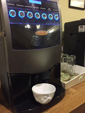 Pembridge, UK: coffee latte expesso cafe mocha & more fresh from bean free of charge