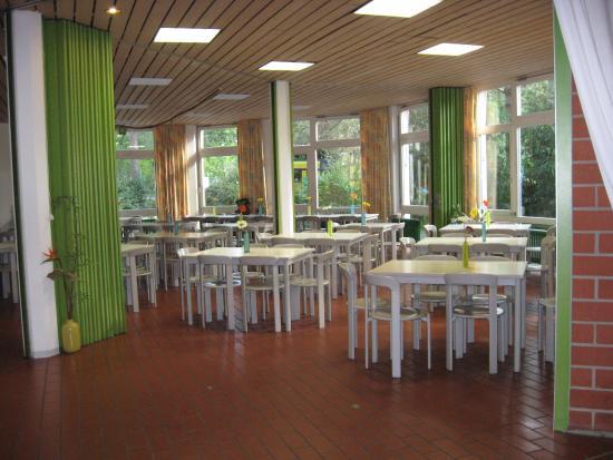 Sala da pranzo. - Bild von Jugendherberge Freiburg, Freiburg ...