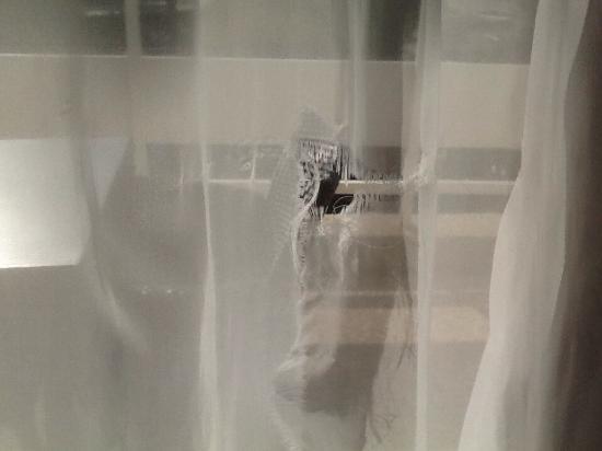 Lyla Confort: Humidite rideau dichere et pliens de taches noires
