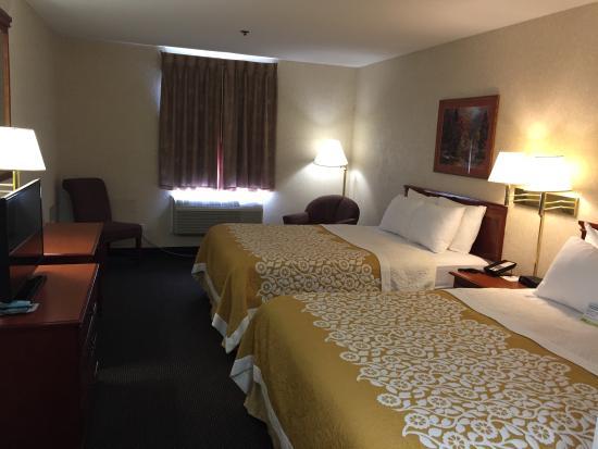 Colby, KS: Room