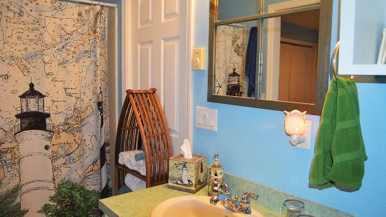 Seal Rock, OR: Ocean View Suite Bathroom at AJ's Bed-n-Breakfast. Picture by PXL Media Studios