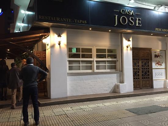 Barra y sala comedor: fotografía de Casa Jose, Casablanca ...