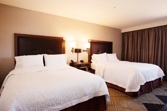 Hampton Inn Taos: queen room
