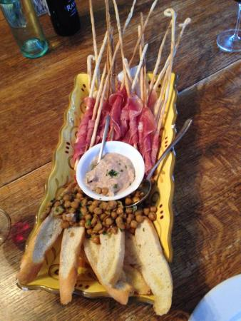 Lincoln, Nuevo Mexico: bread sticks wrapped with prosciutto and fried garbonzo beans