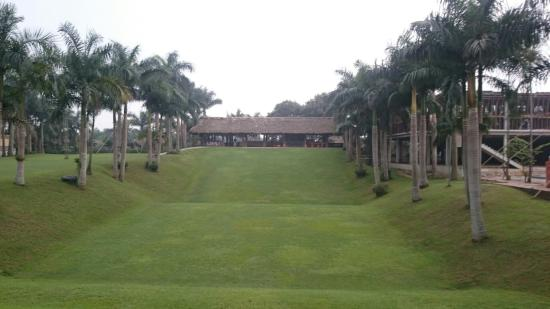 Asean Resort & Spa: Sliding grass inside resort
