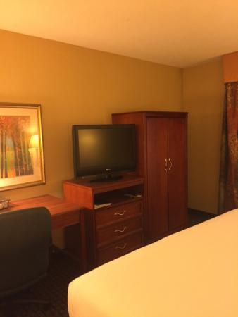 Holiday Inn Express Northwest-Park 100: photo0.jpg