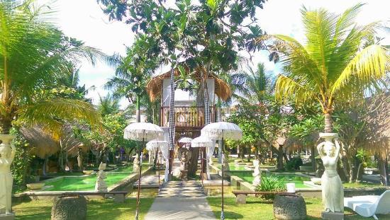 The Mansion Resort Hotel & Spa: Heaven & Earth Water Garden ~ Chestnut Tree House