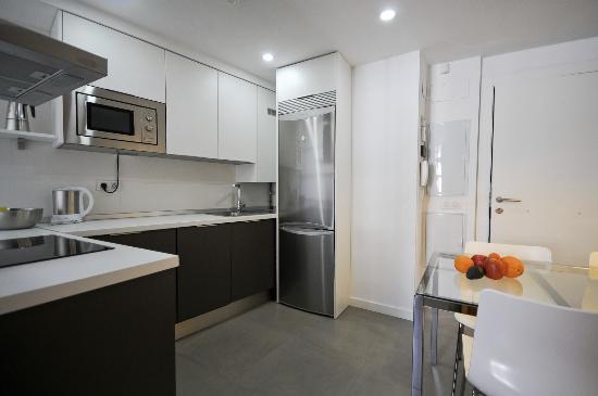 Smart Suites Albaicin: Kitchen