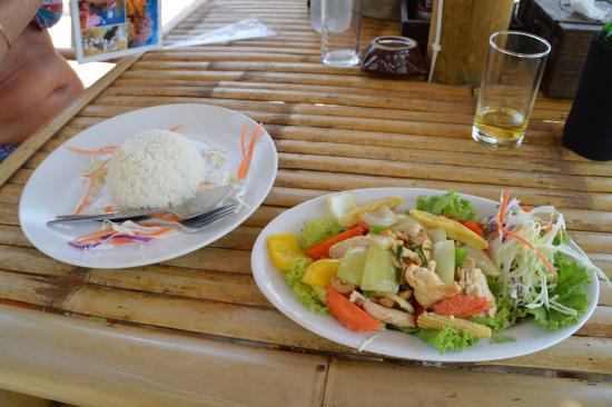 Anda Lanta Resort: Repas tipyque sur une plage de Koh Lanta