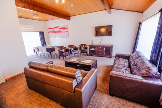 Timaru, Nueva Zelanda: 3 bedroom unit lounge